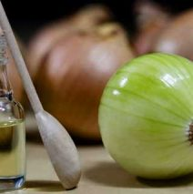 Benefits of using onion juice for regrowing hair